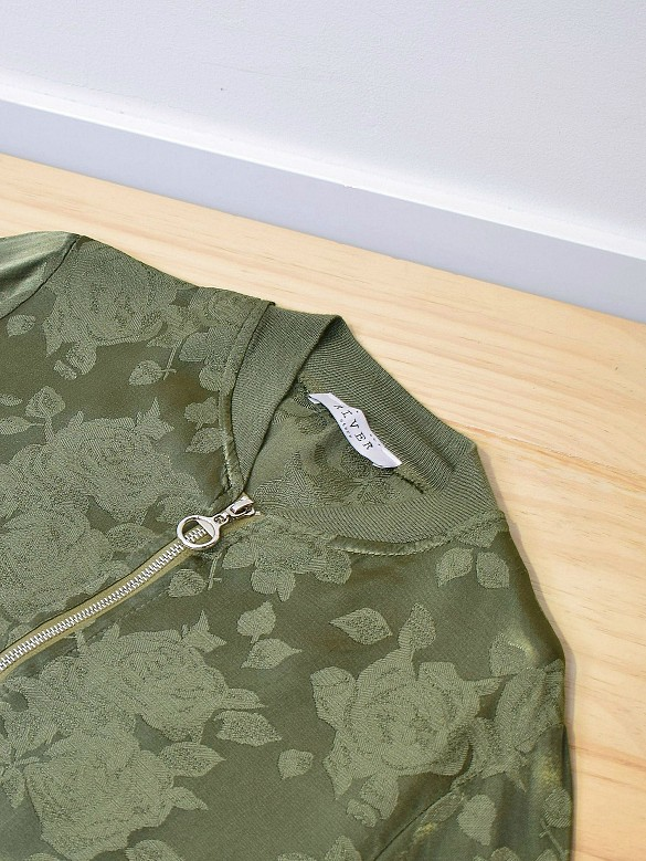 Chaqueta estampado relieve